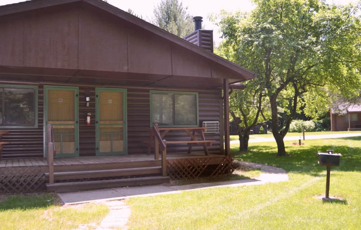 Ranch Style Duplex Cabin - Exterior