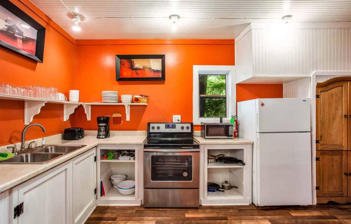 Group Lodge - kitchen