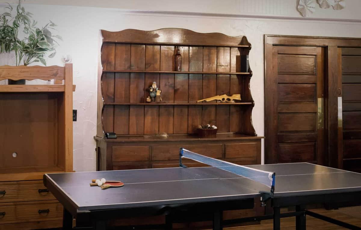 Group Lodge - Ping-Pong Table