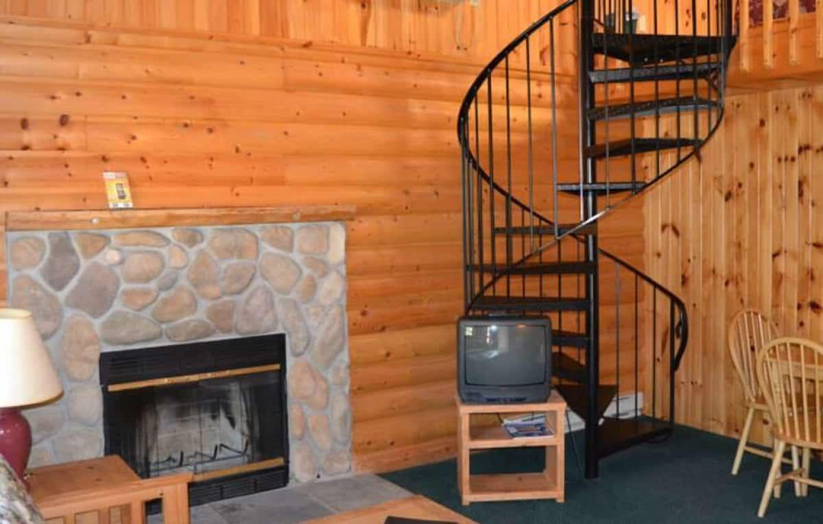 Loft Style Duplex Cabin living room
