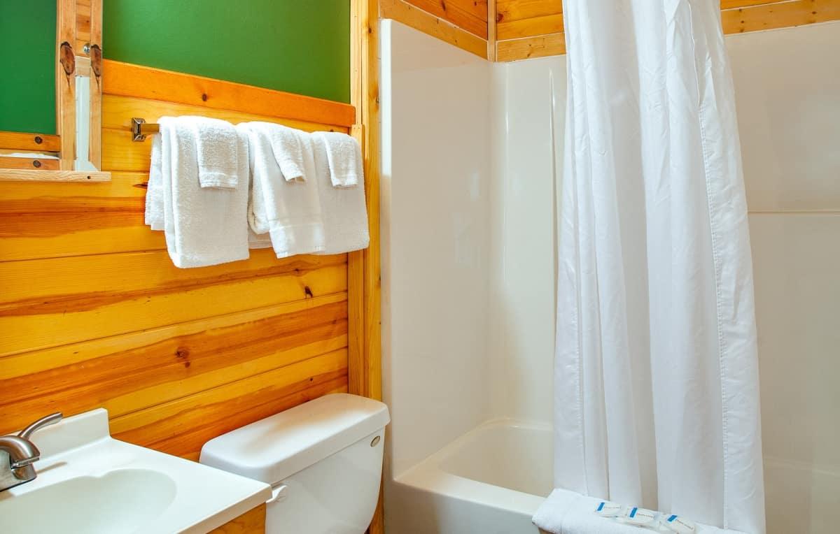 Private Cabin #3 - bathroom