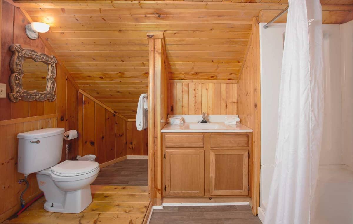 Private Cabin #31 - bathroom