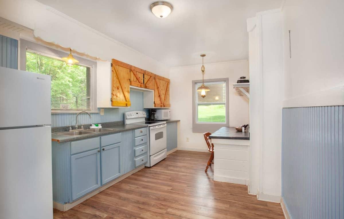 Private Cabin #31 - full kitchen